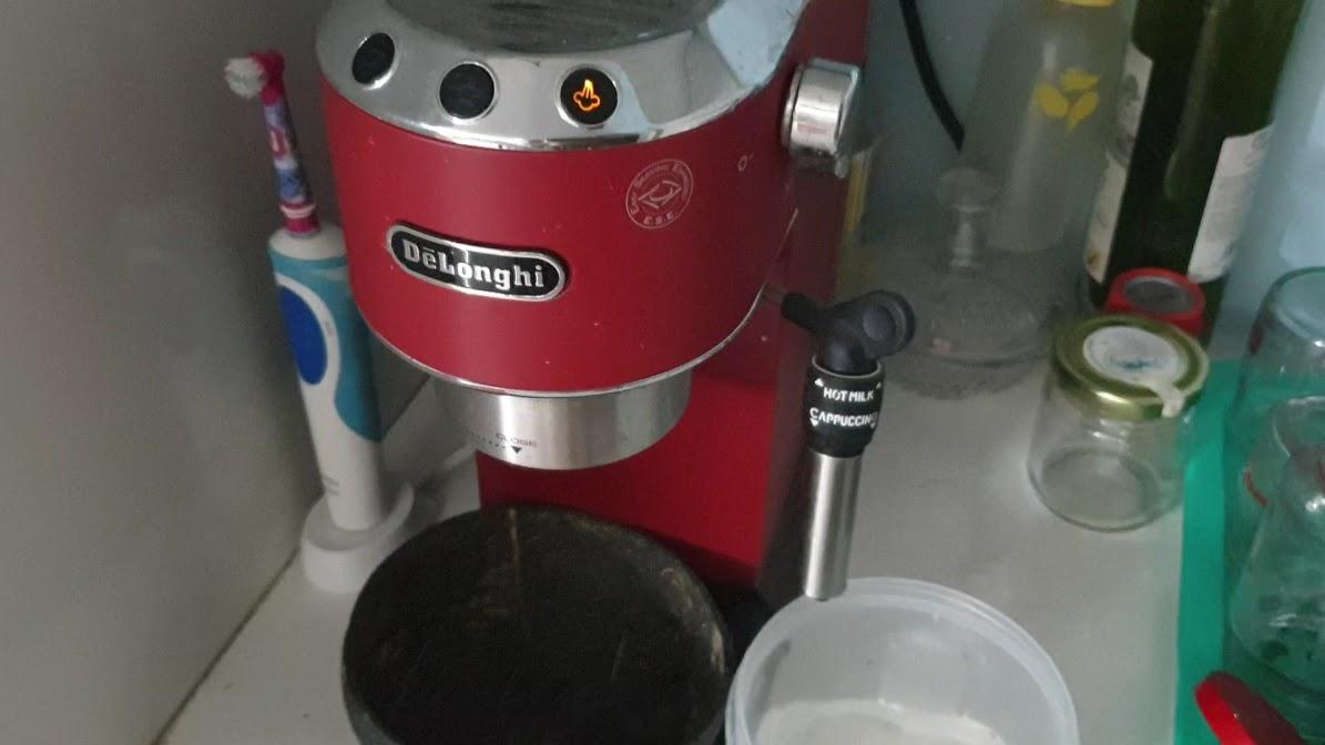 Dung dịch nước vệ sinh máy cafe DeLonghi - EcoDecalk 500ml